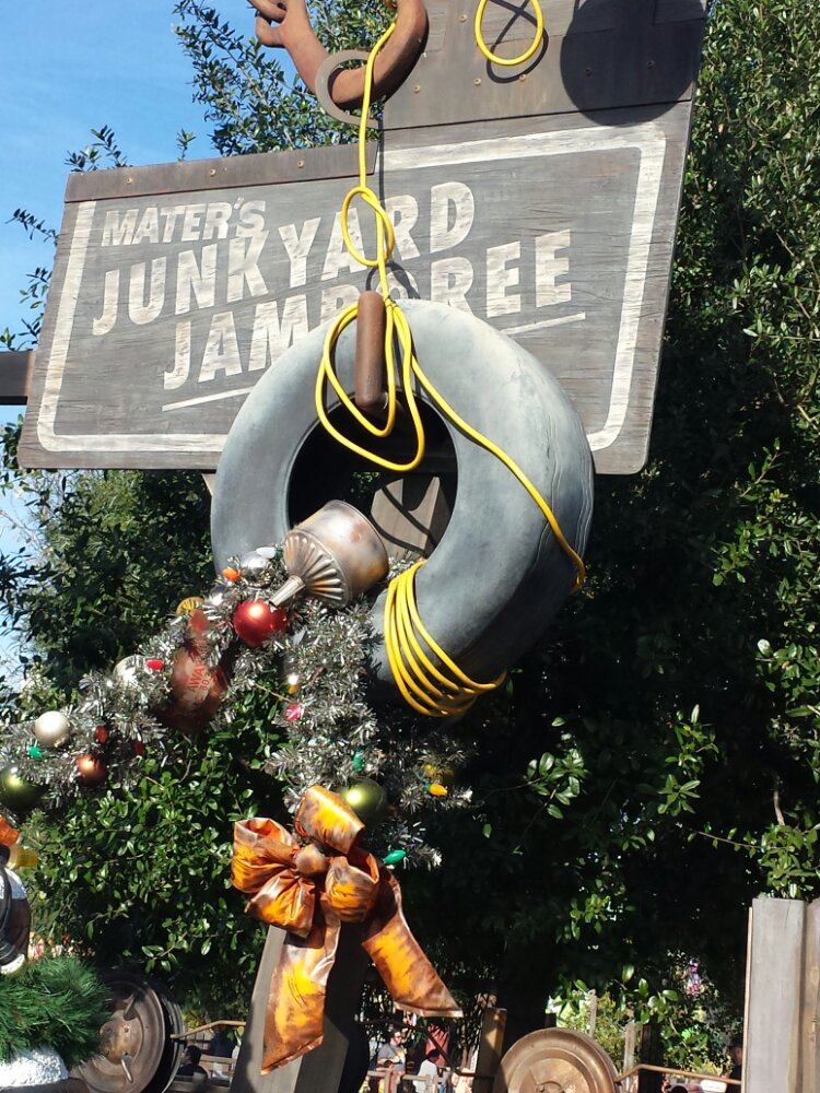 Maters Junkyard Jamboree sign (fyi 20 min wait as of 2:30)
