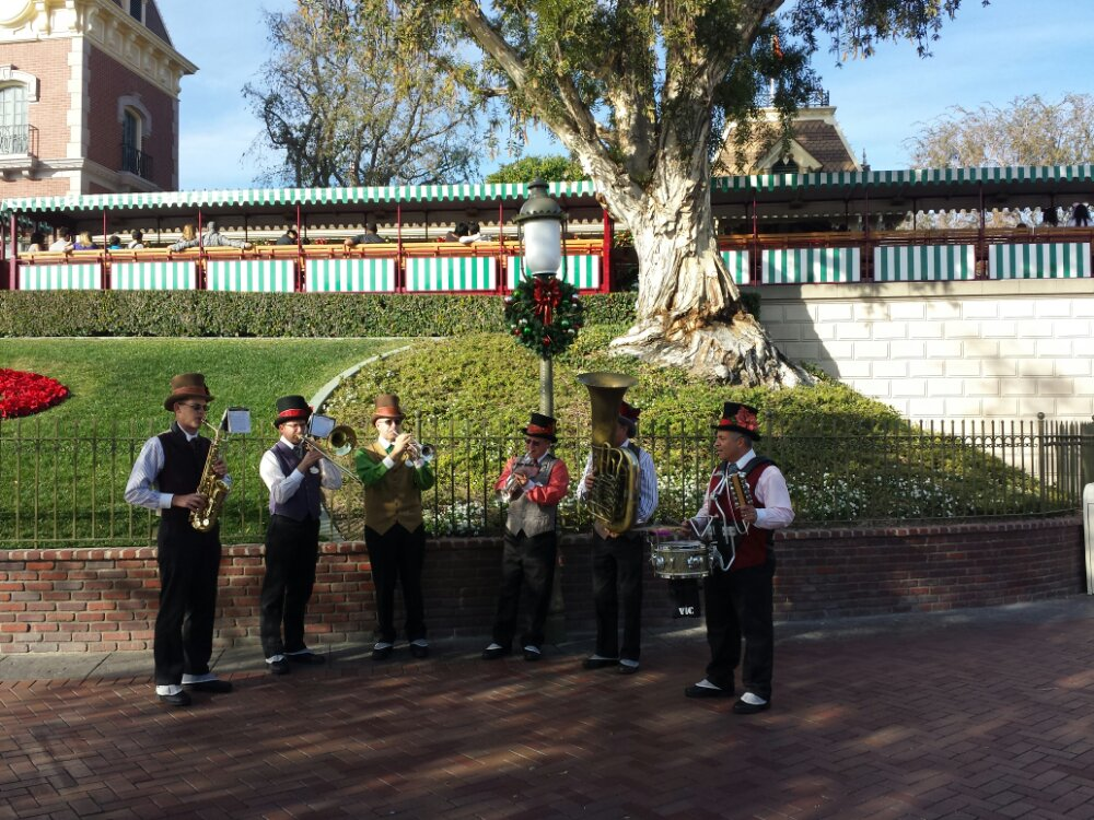 A band playing as I entered #Disneyland