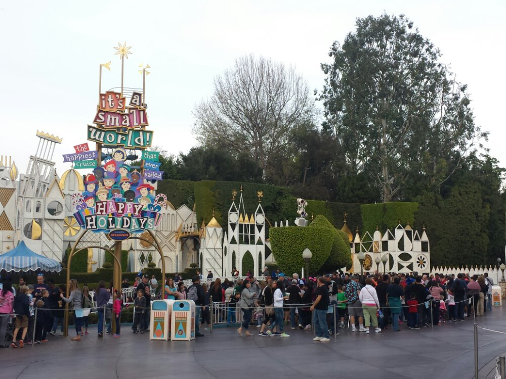Small World Holiday had a 60 min wait at 4:20
