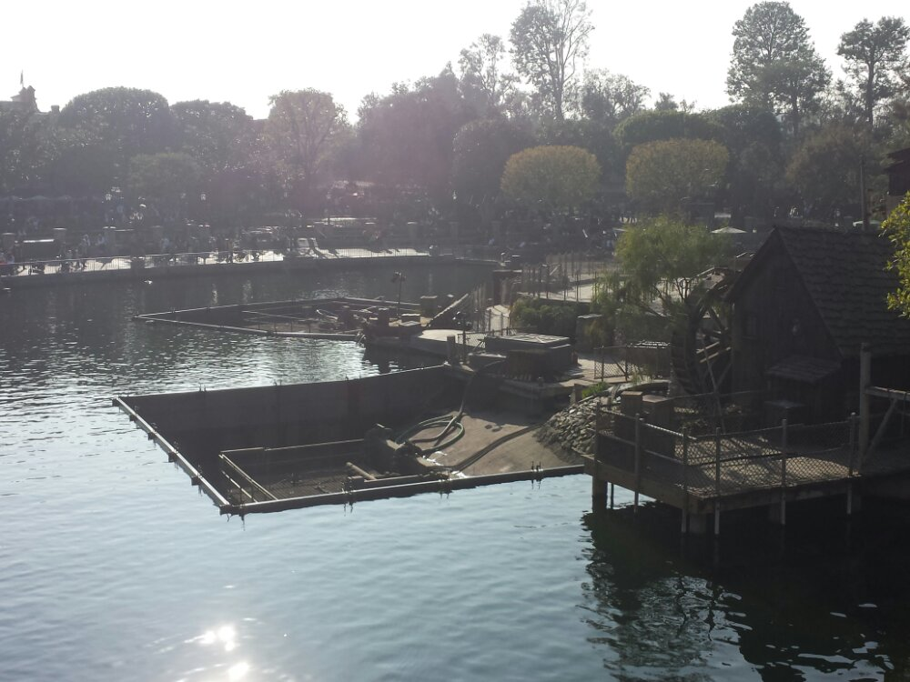 Fantasmic is also dark and two of the fountain/light units are being worked on