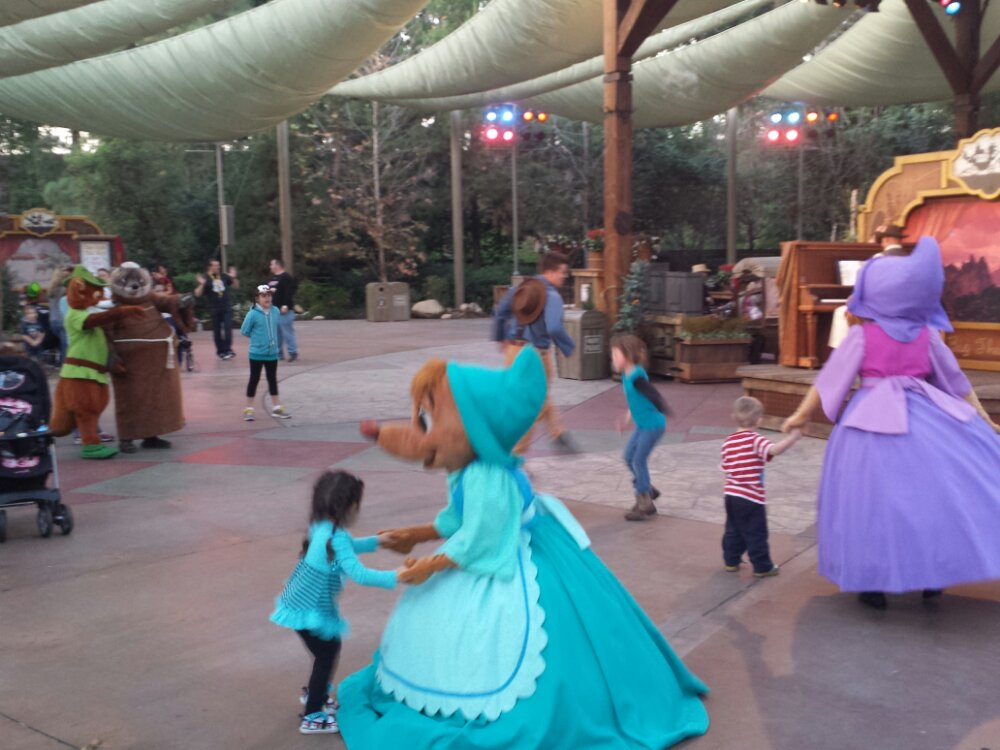 The Frontierland Troupe is nice and quiet this evening