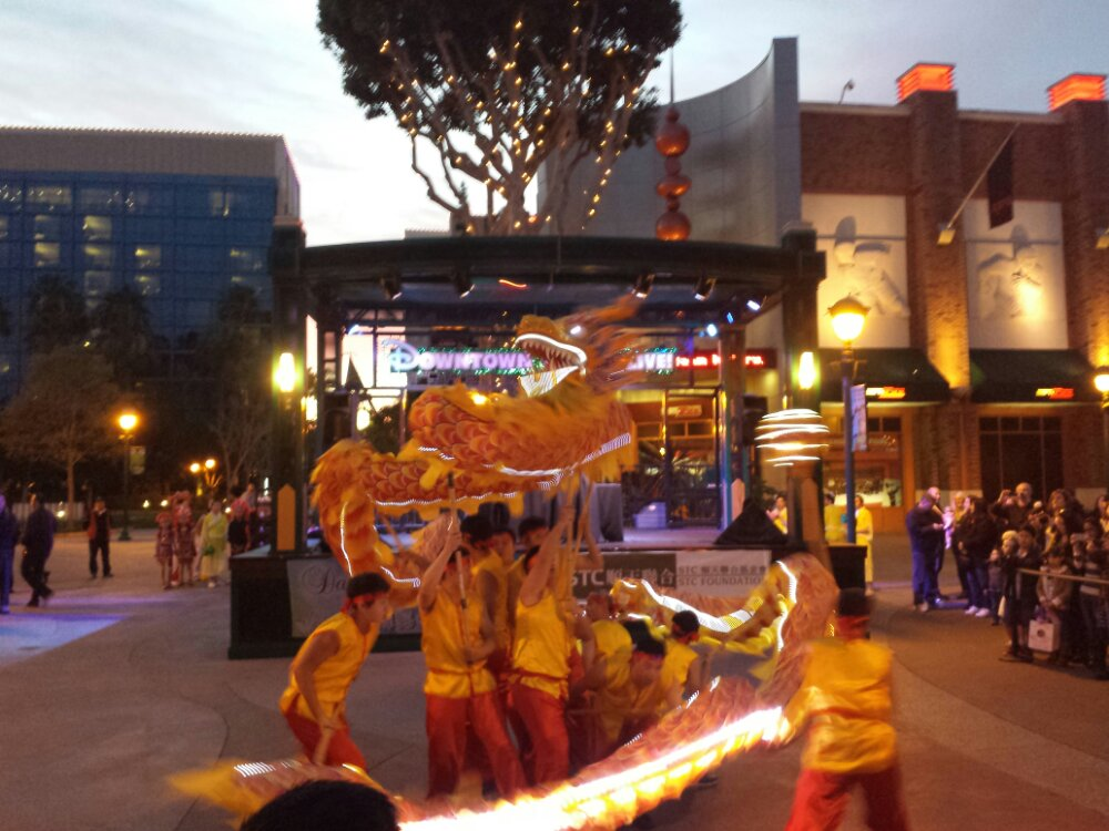 The Lunar New Year entertainment @DisneylandDTD kicked off with a dragon dance