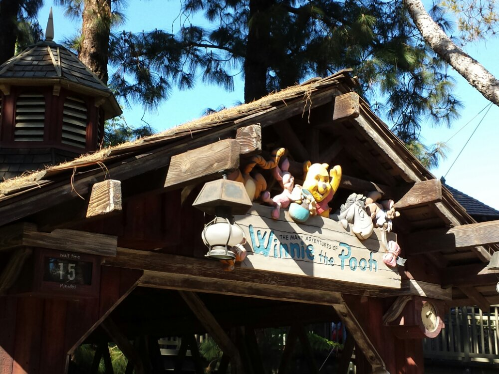 Winnie the Pooh has a 15min wait