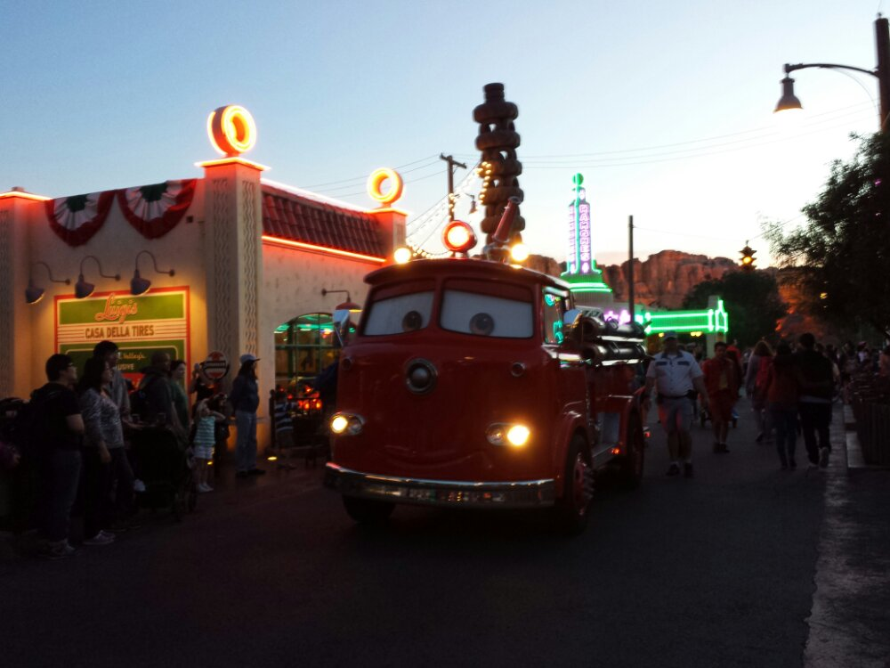 Red cruising down Cross St as I enter #CarsLand @DCAToday