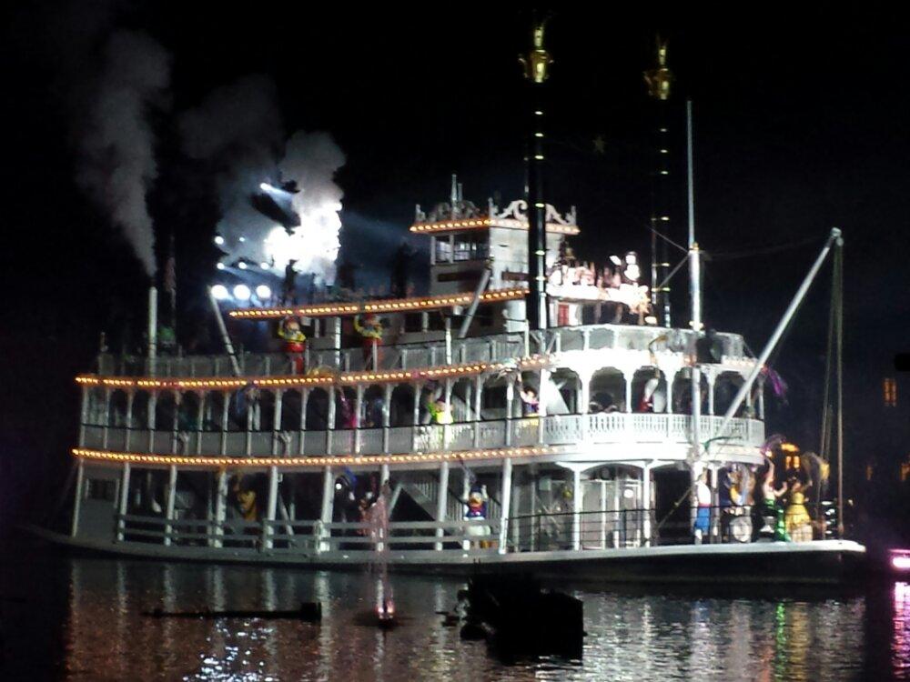 Fantasmic! – Mark Twain #Disneyland