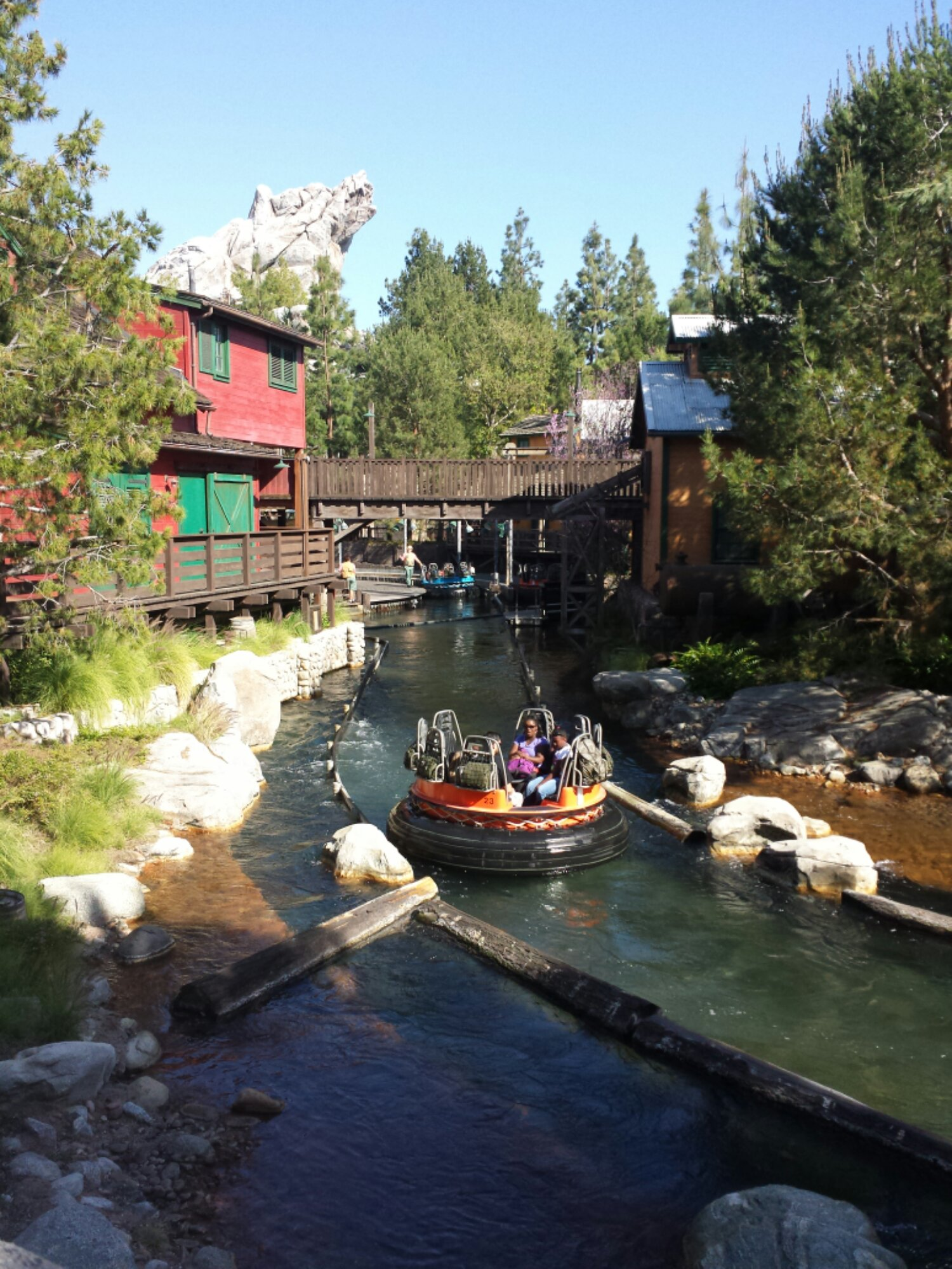 Grizzly River Run – a posted 50 min wait