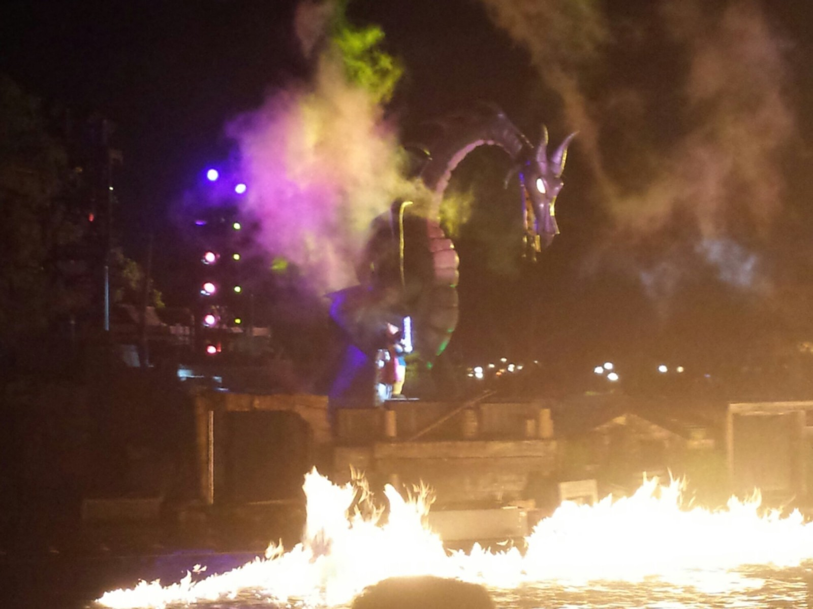 Fantasmic – Dragon #Disneyland