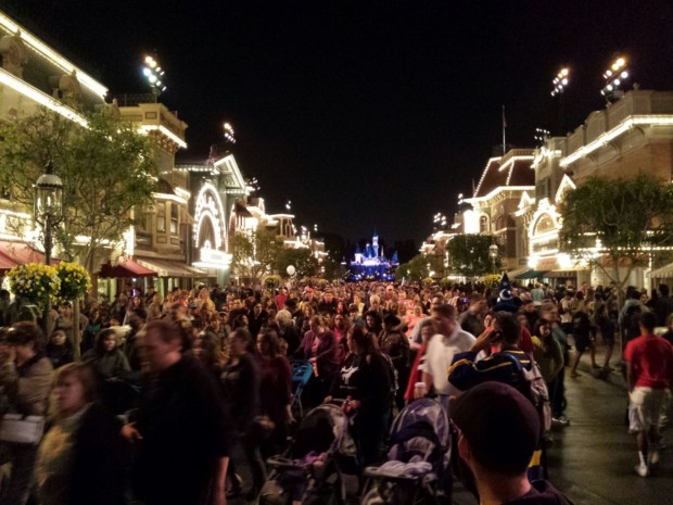 Main Street USA around 9:45pm as most guests decided to leave after the earthquake.
