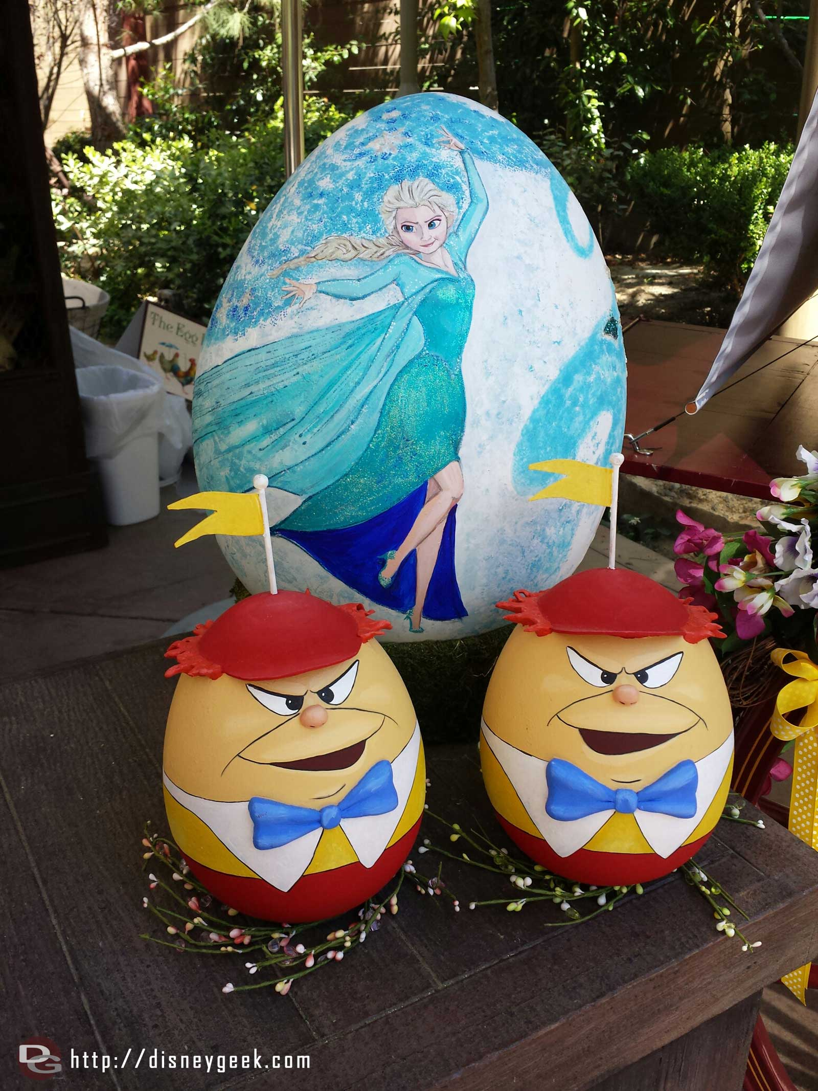 Elsa and the Tweedles eggs at the Springtime Roundup