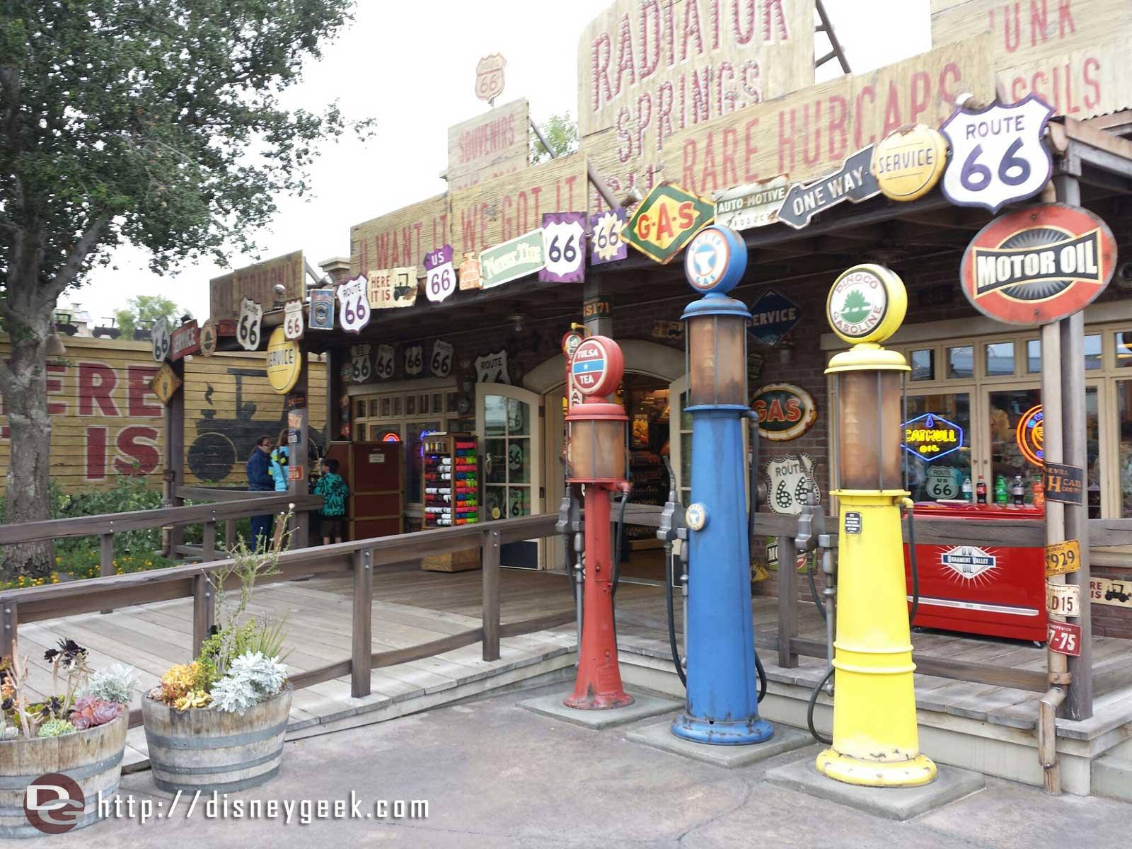 Radiator Springs Curios ##CarsLand
