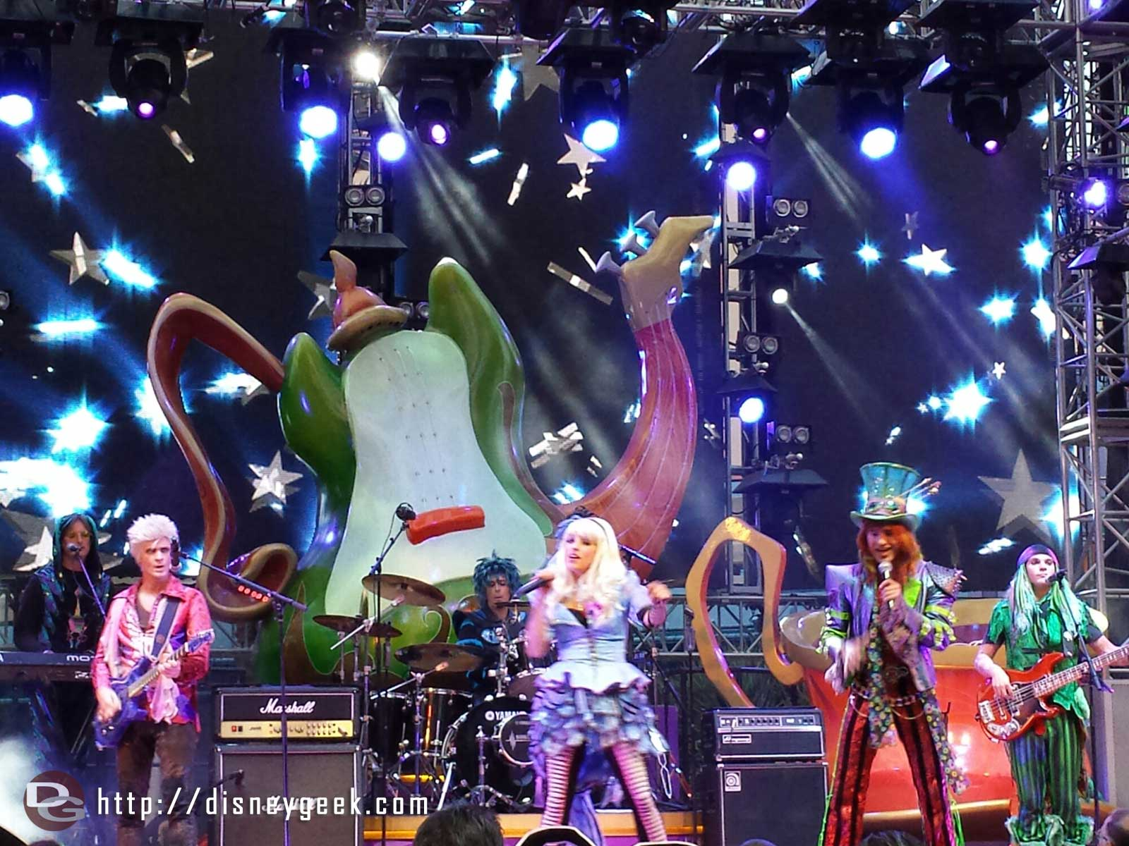 #MadTParty Band