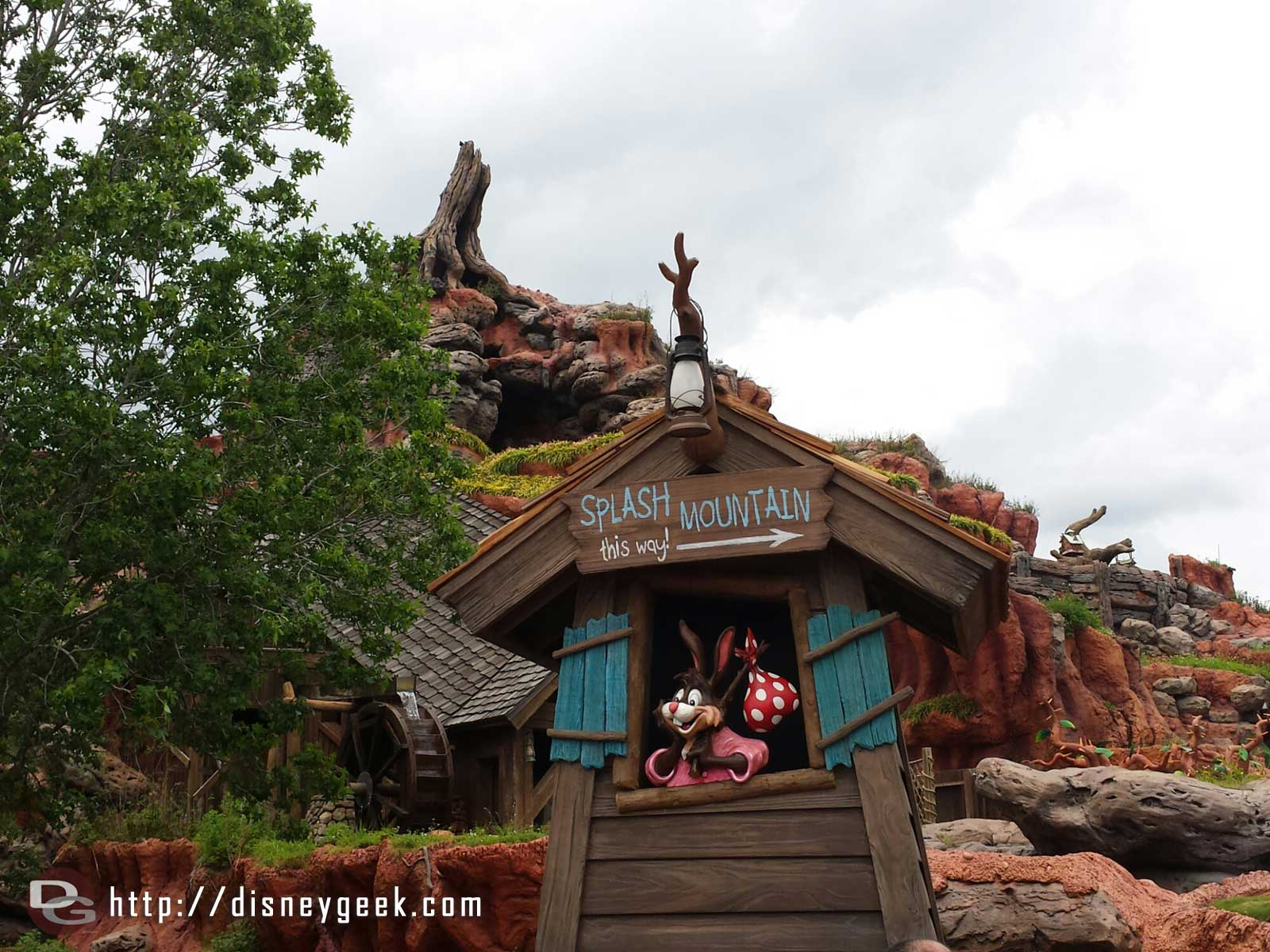 Splash Mountain… this way. #WDW Magic Kingdom