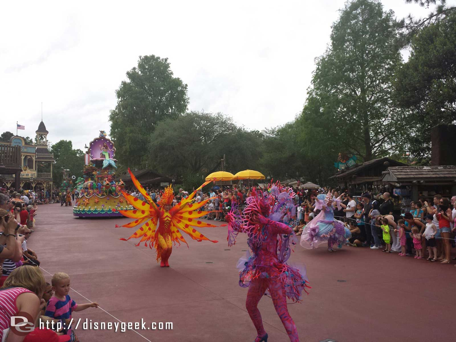 The Little Mermaid sea creatures – Festival of Fantasy parade #WDW Magic Kingdom