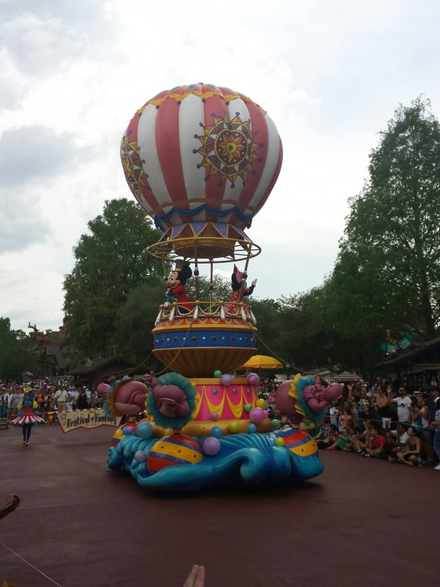 Festival of Fantasy Parade - Mickey & Minnie to close the parade
