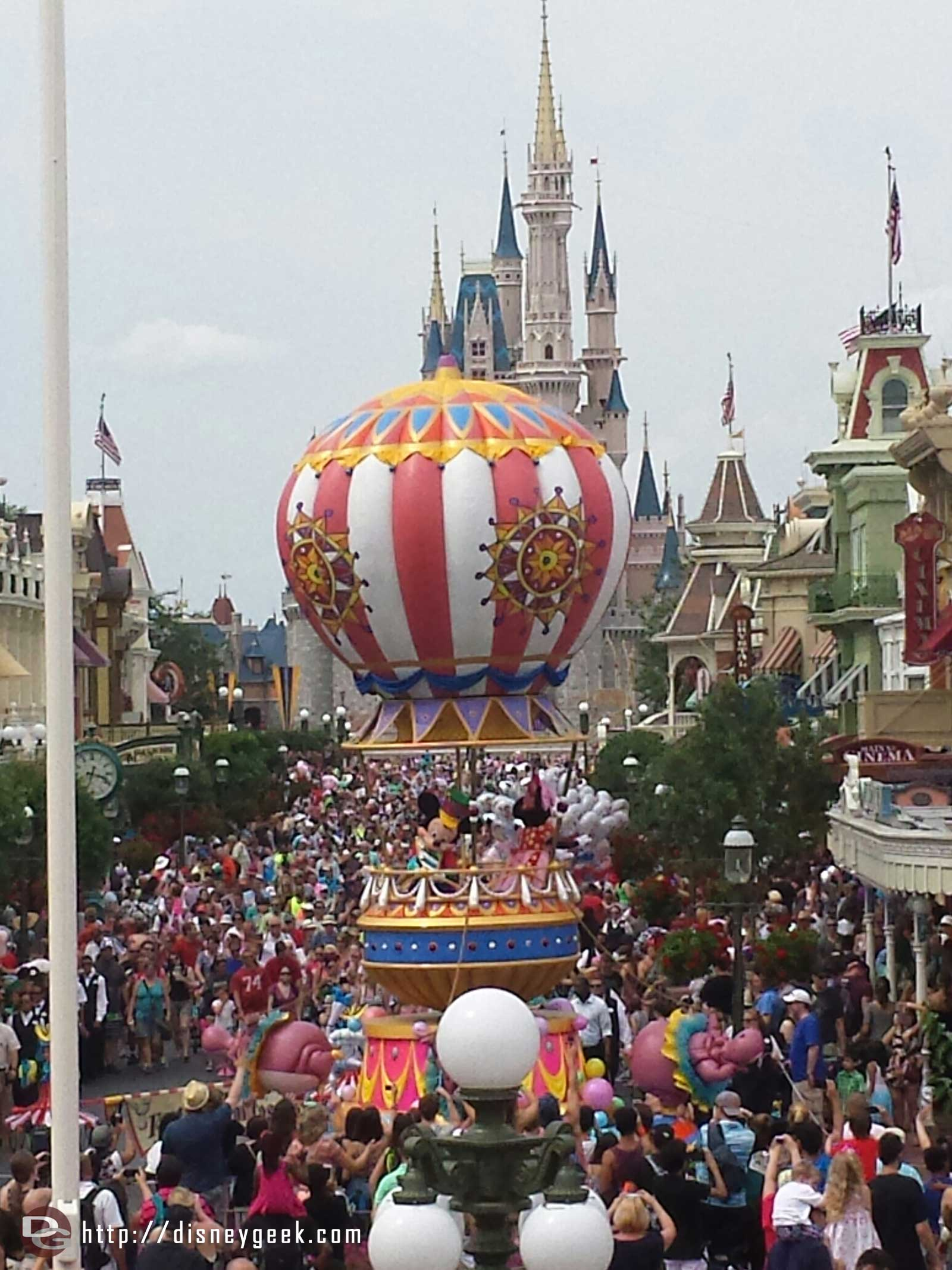 Festival of Fantasy - Round 2 from Main Street - Mickey and Minnie