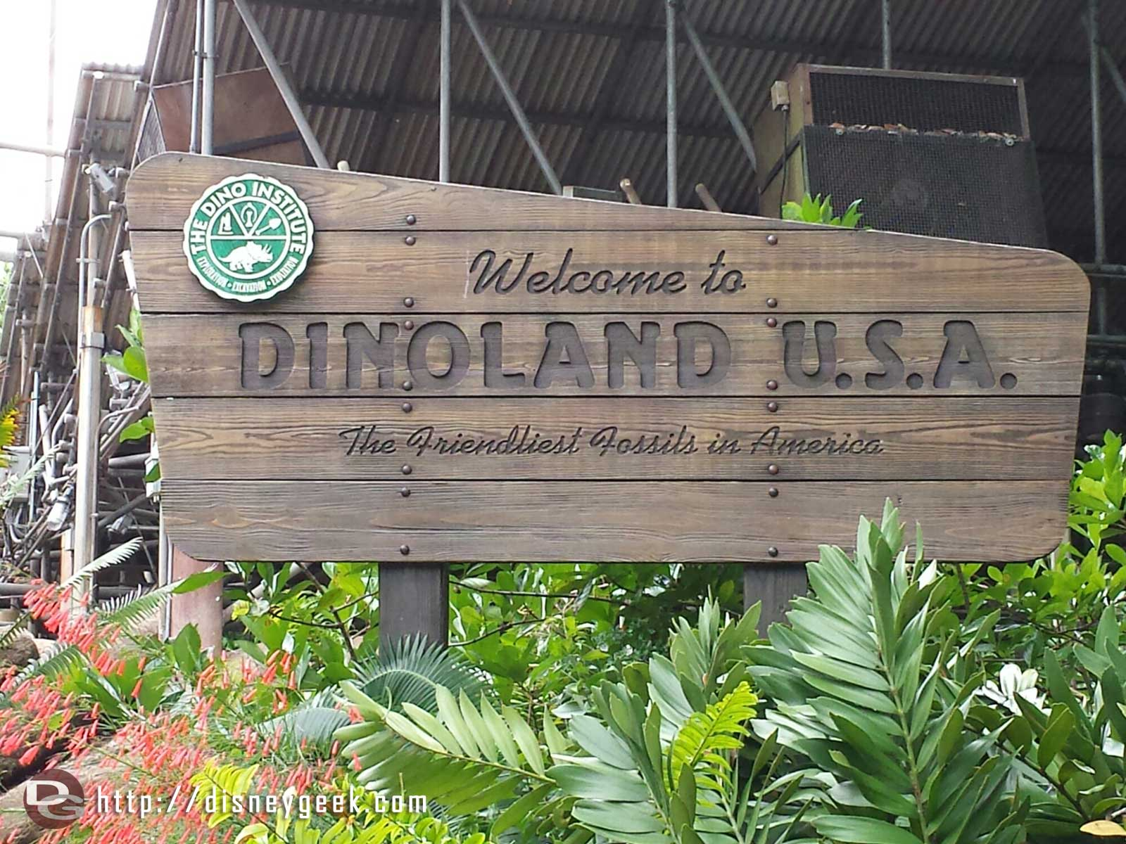 Welcome to Dinoland… the friendliest fossils in America – Disney's Animal Kingdom