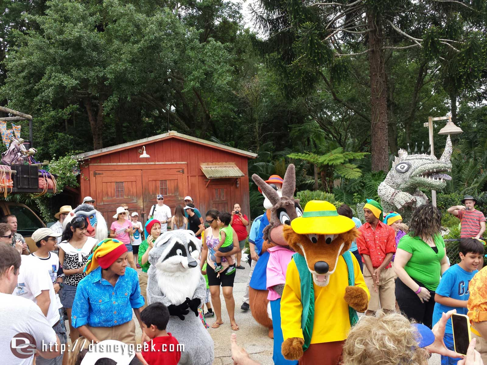 Meeko, Rafikki, Brer Fox, Brer Rabbit & Brer Bear at the dance party in Dinoland – Disney's Animal Kingdom