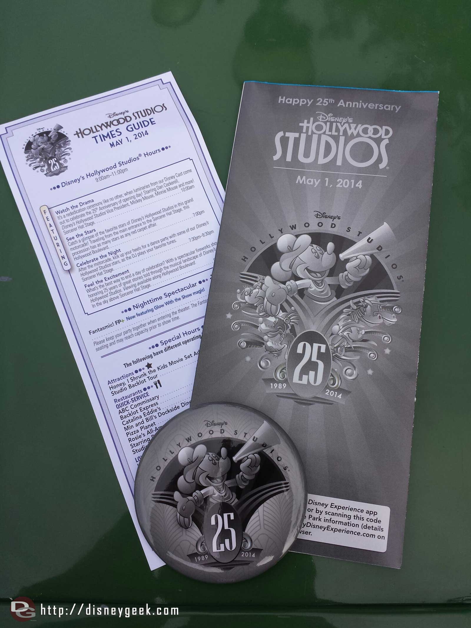 25th Anniversary Park Maps, times, and button for all guests today at Disney's Hollywood Studios