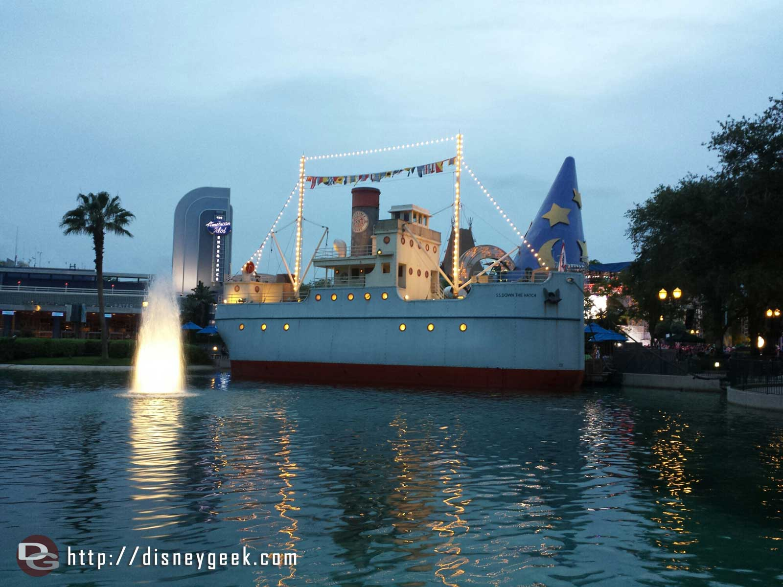 Min & Bills Diner and Echo Lake – Disney's Hollywood Studios