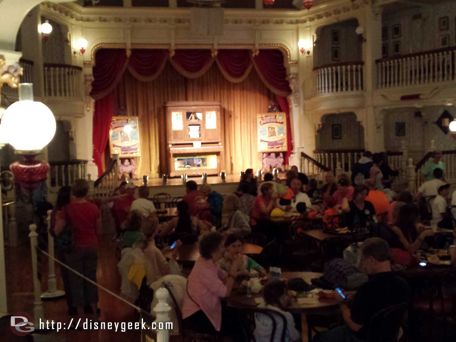 The Diamond Horseshoe is open for lunch today