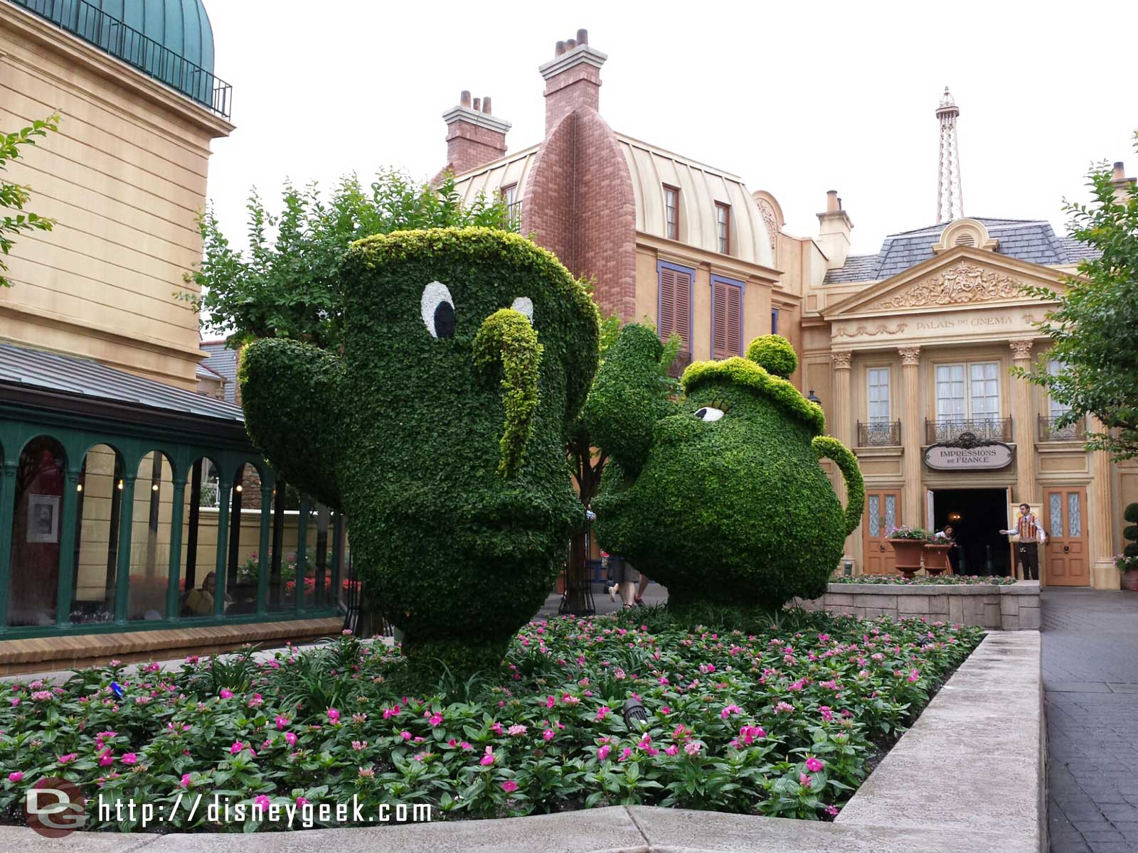 Chip and Mrs. Potts in France - Epcot International Flower & Garden Festival