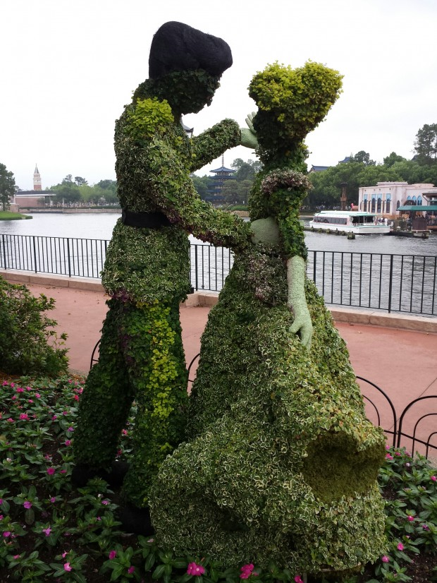 Cinderella & Prince Charming topiaries at the  Epcot International Flower & Garden Festival