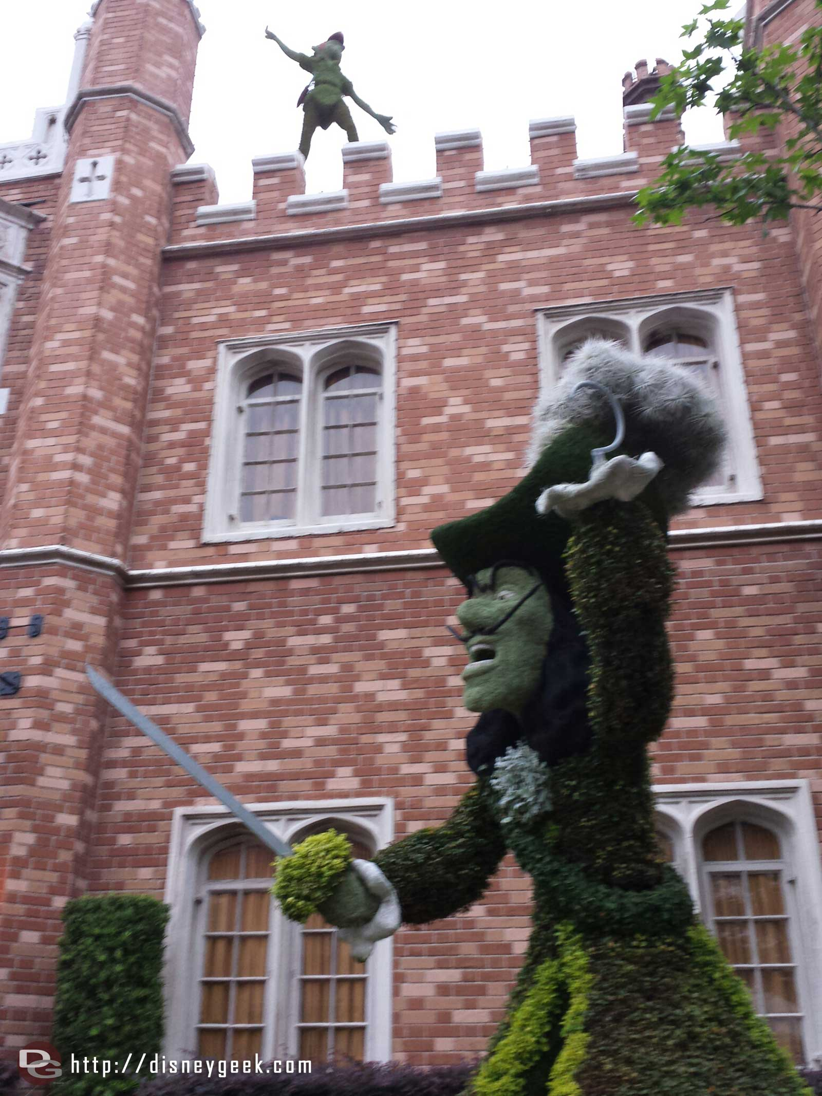 Peter Pan & Captain Hook topiaries in the UK –  Epcot International Flower & Garden Festival