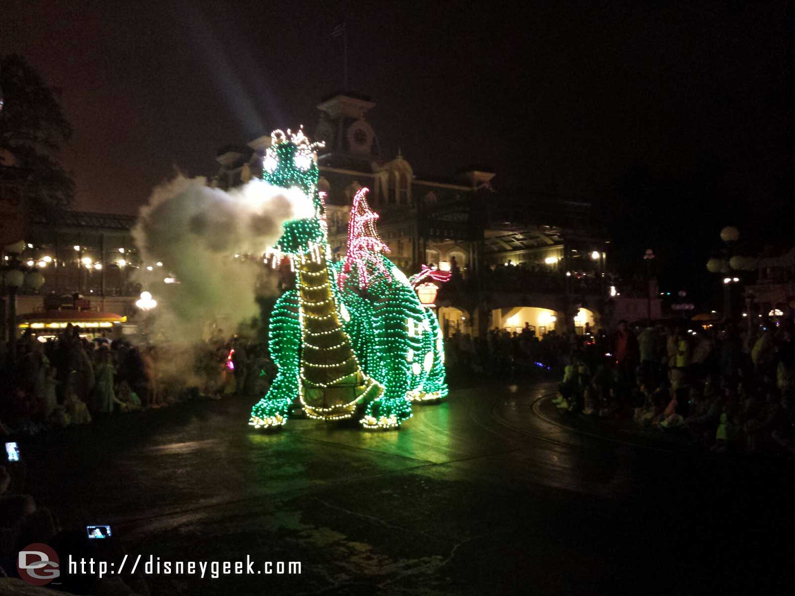 Pete and Elliott Main Street Electrical Parade #WDW