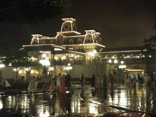 Plenty of rain falling in Town Square.
