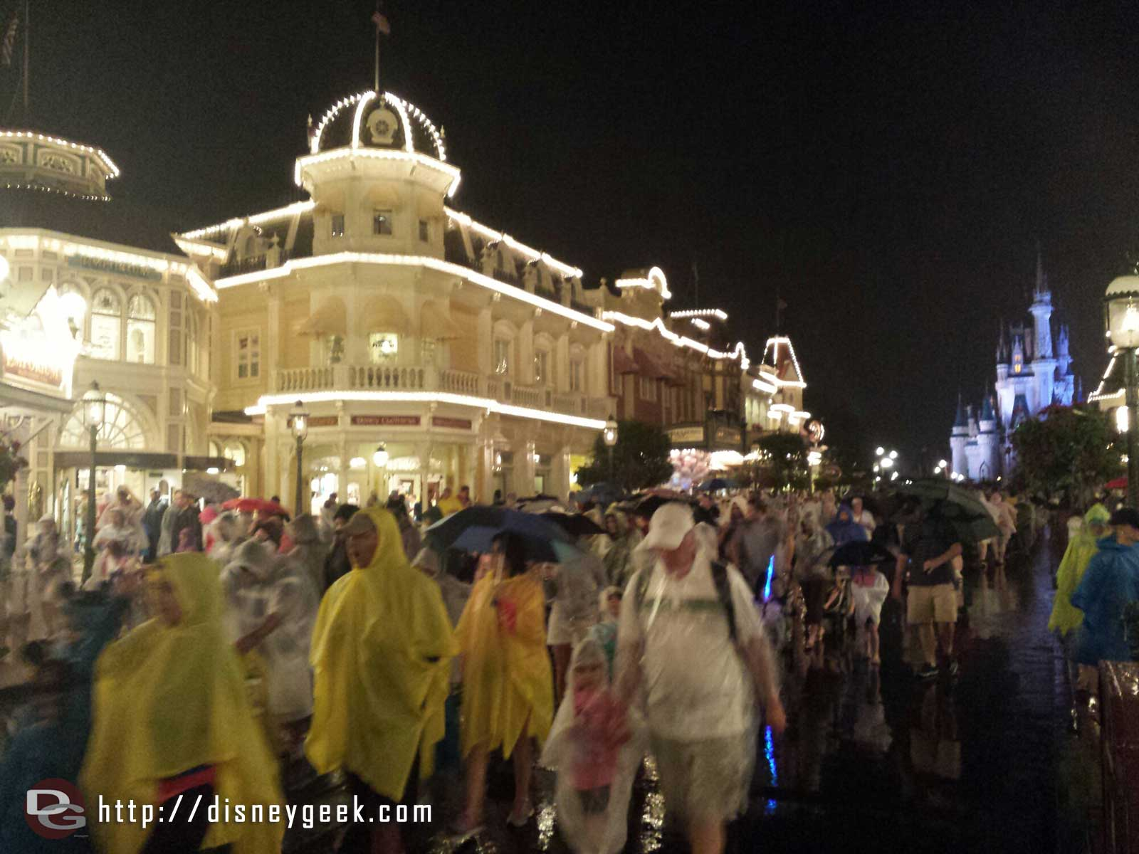 Looks like the majority of guests have had enough of the rain and are leaving.