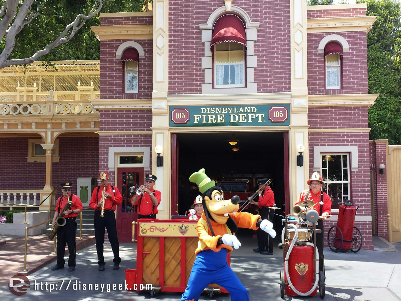 Goofy performing with the Hook and Ladder Company #Disneyland Main Street USA