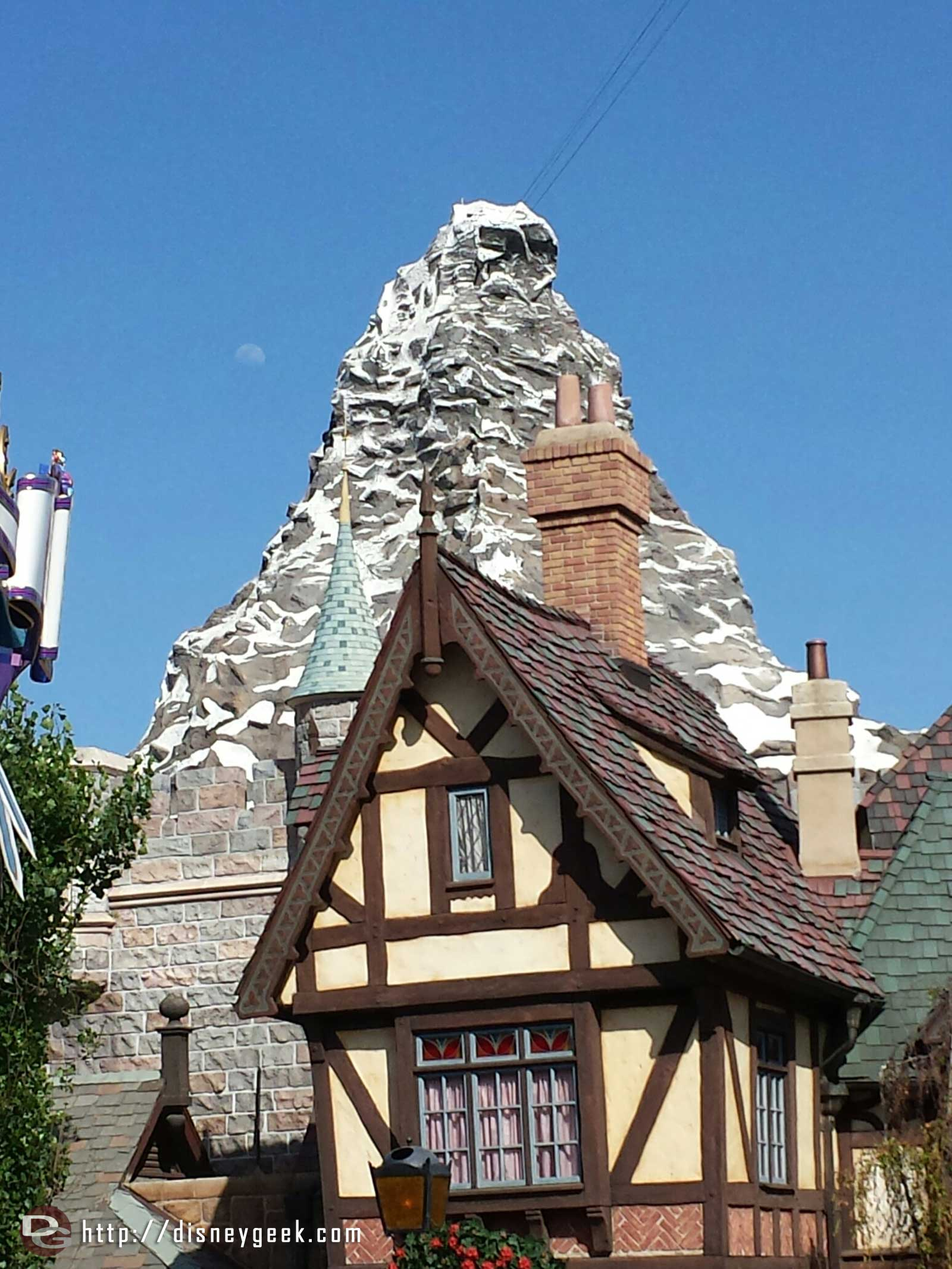 The moon is already visible above the Matterhorn