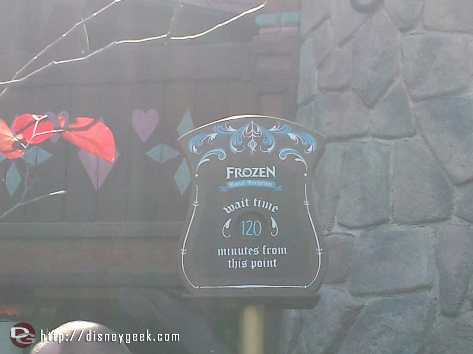 Only 120 minutes to meet Anna & Elsa.  Used to think that was long till I saw the waits at WDW