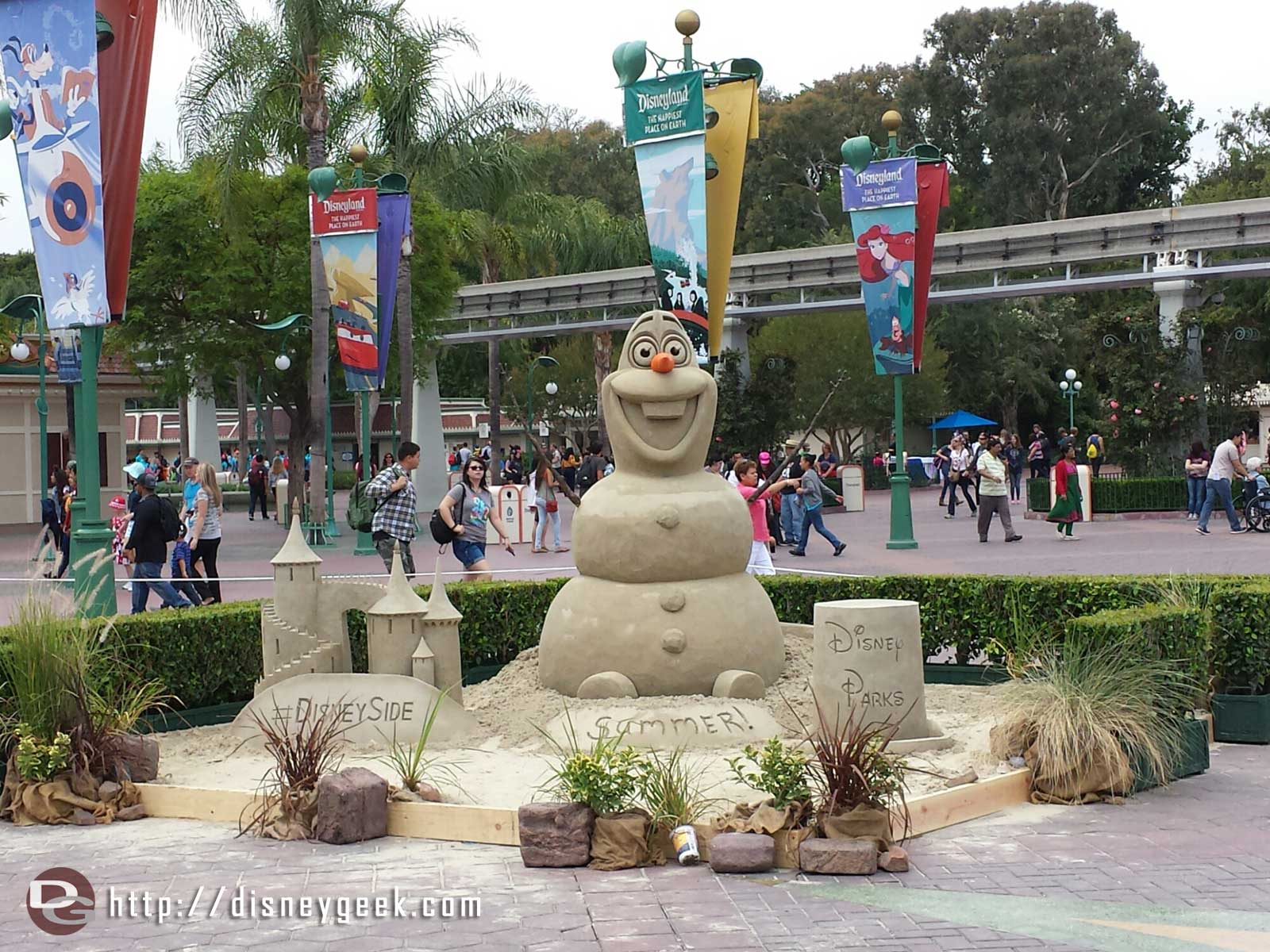 A sand Olaf in the Esplanade #Disney24  #DisneySide