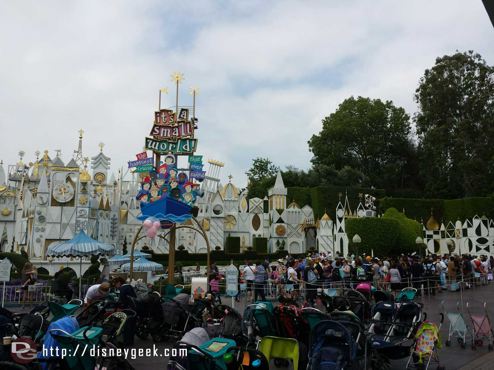 Small World has reopened and has a line using the extended queue