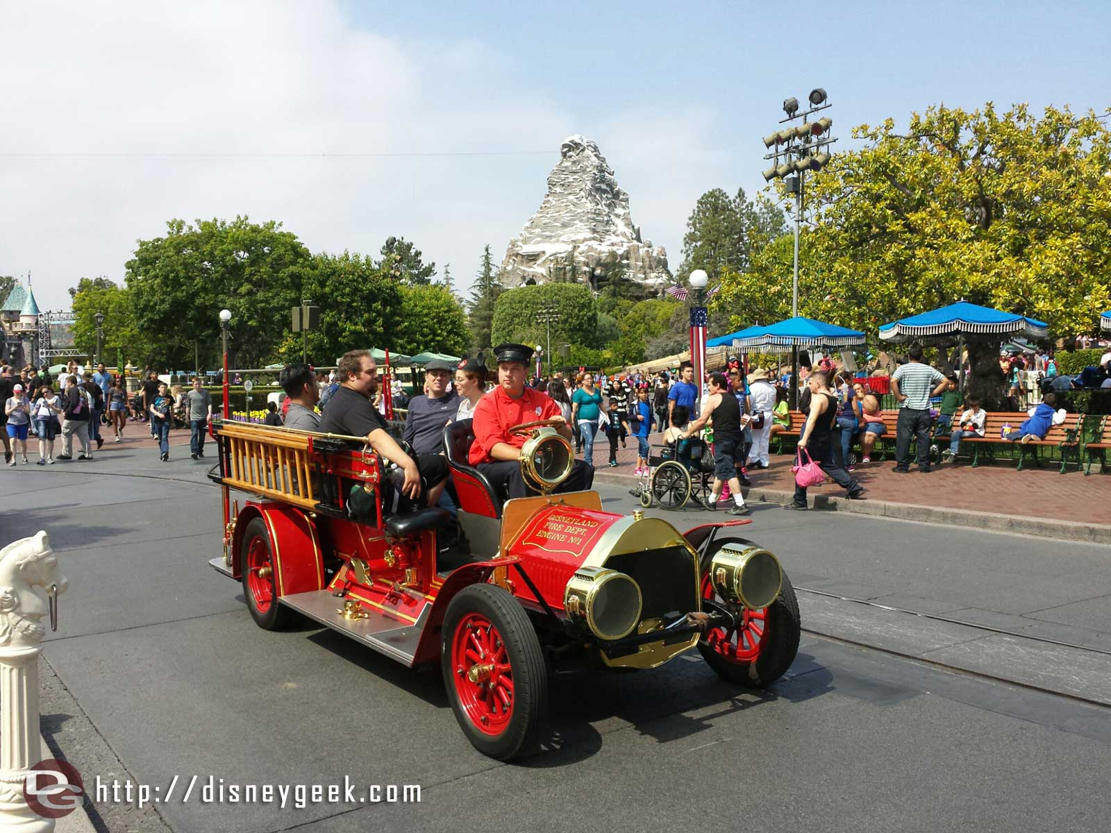 With the later parade times today Main Street vehicles still in service as of 3:20pm