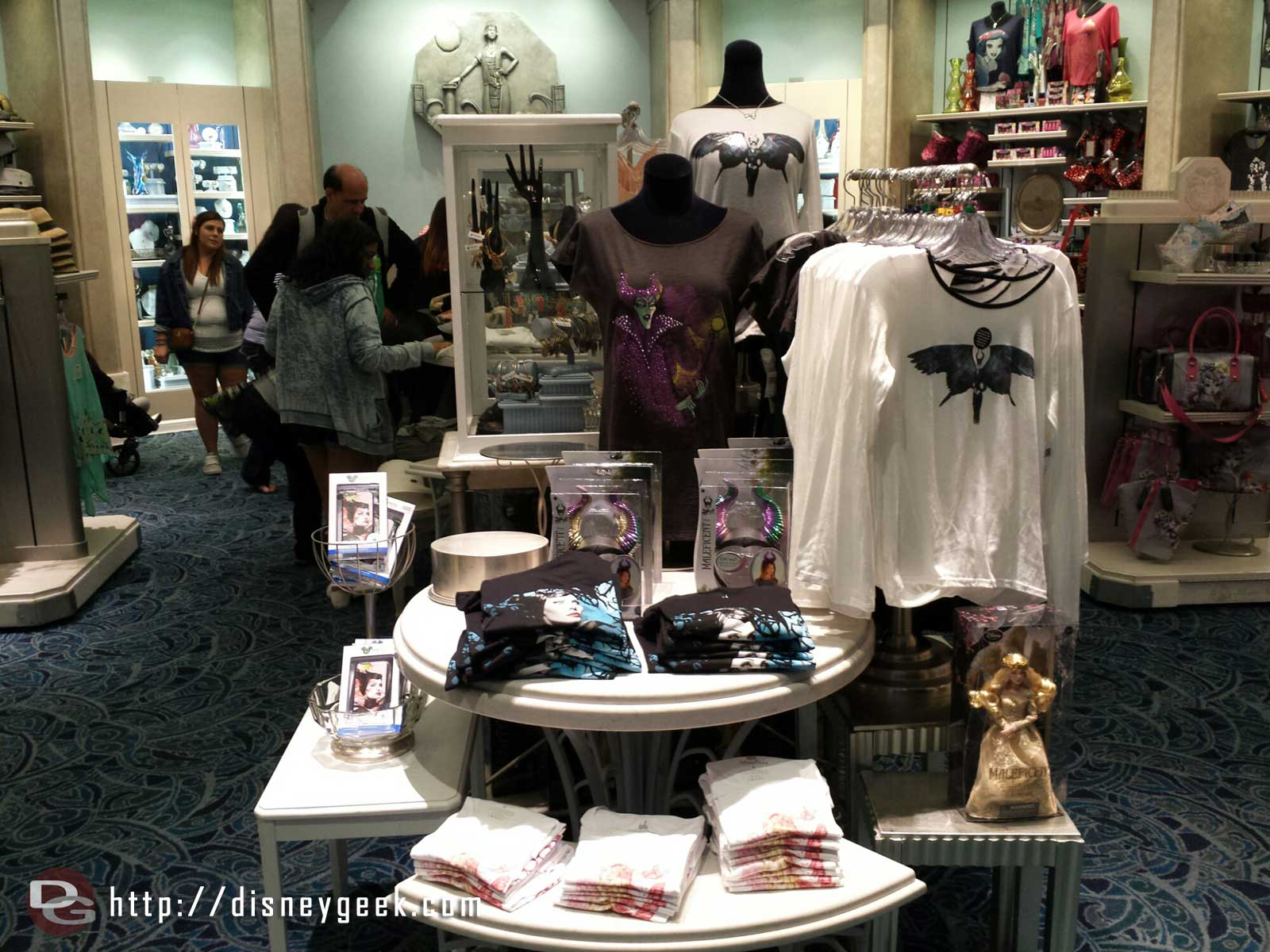 Maleficent merchandise in Elias & Co #BuenaVistaStreet
