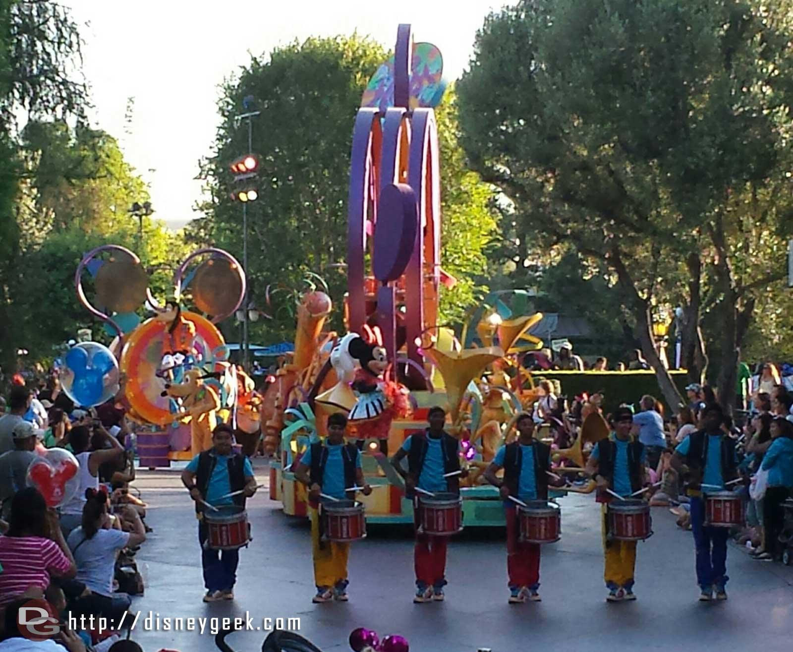 Mickey's Soundsational Parade #Disneyland