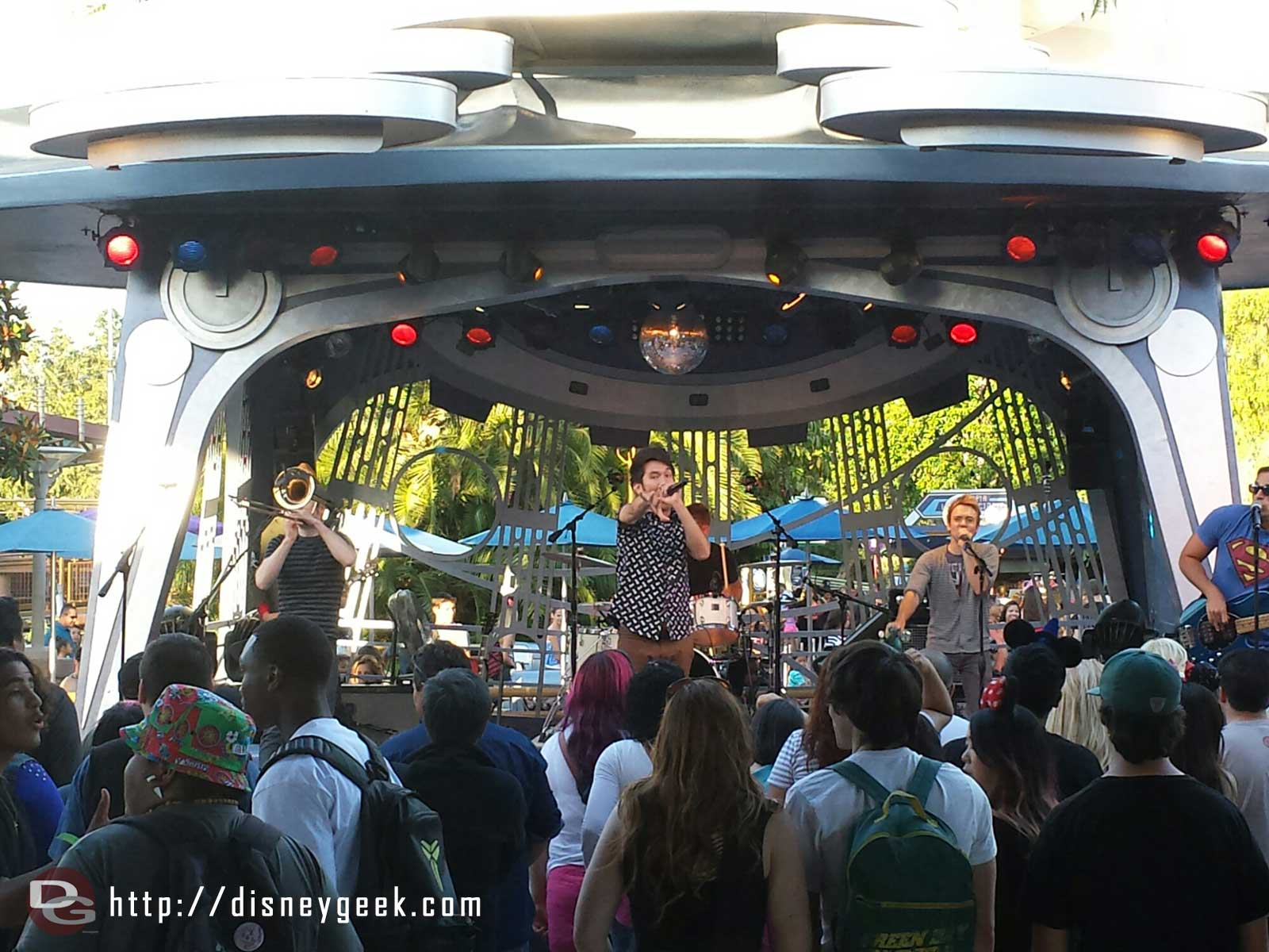 Suburban Legends at Tomorrowland Terrace tonight #Disneyland