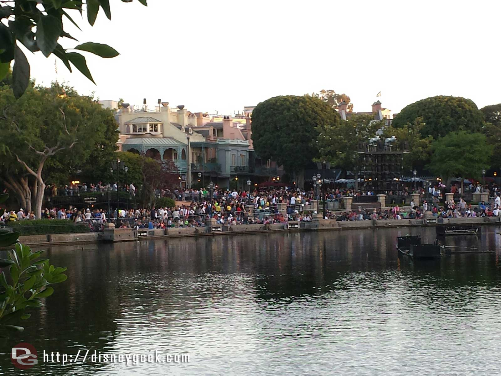 The Rivers of America waterfront this evening, a good crowd for Fantasmic! in 80 min
