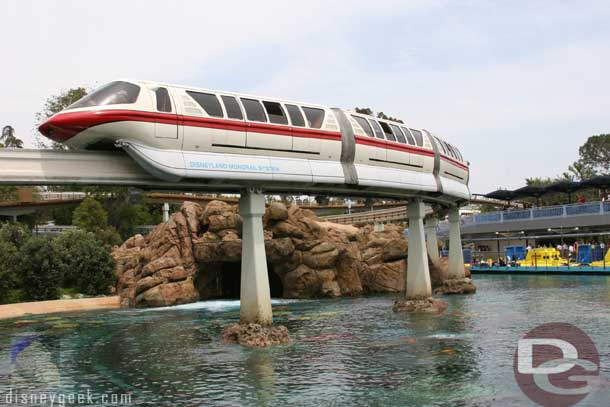 Disneyland Monorail Red (Mark V)