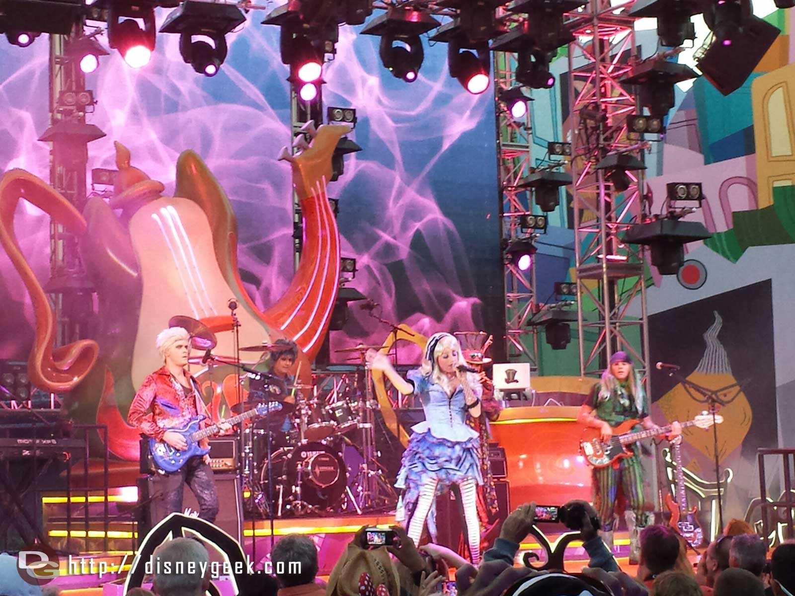 The #MadTParty band