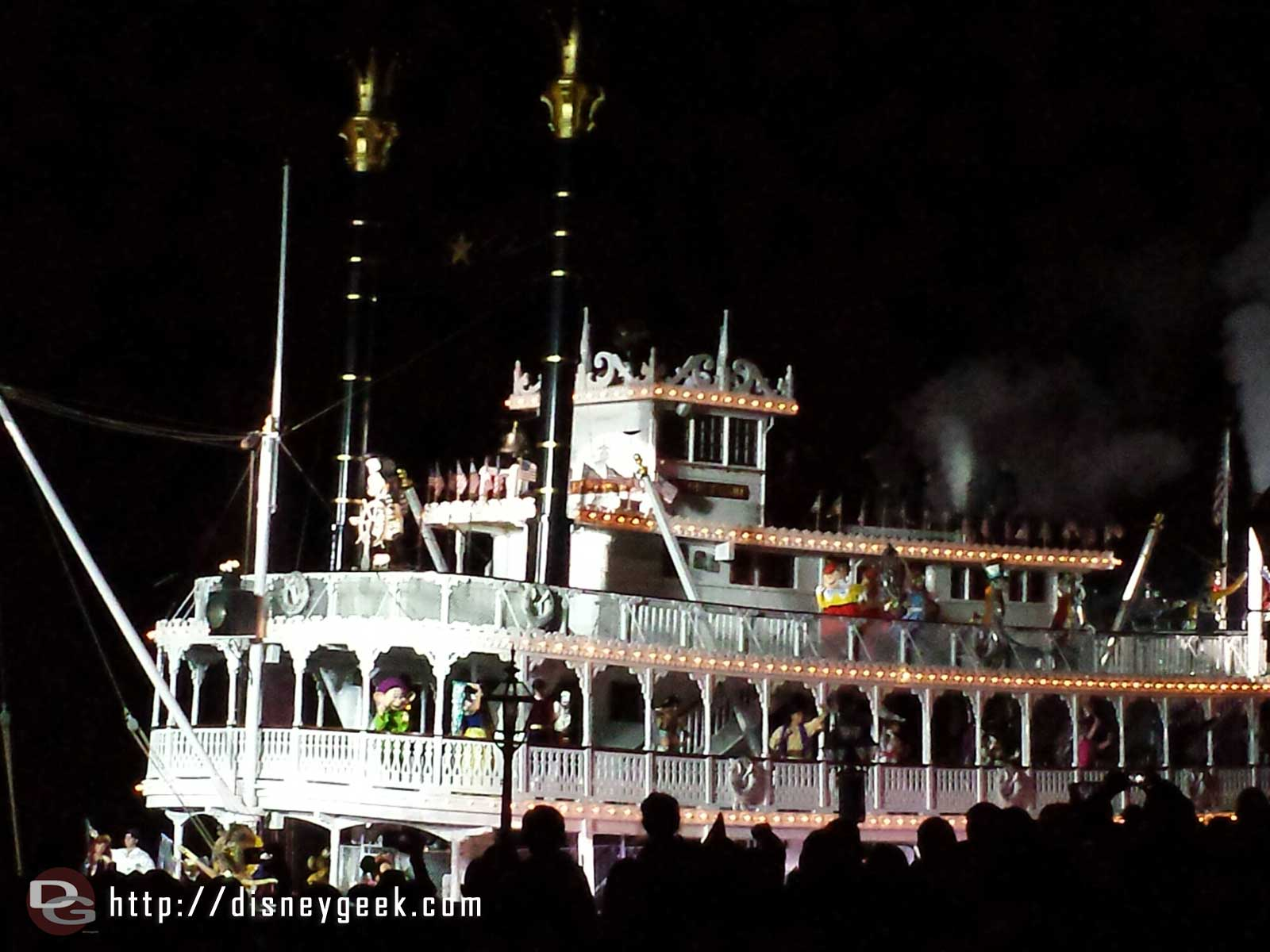 Fantasmic! Mark Twain #Disneyland