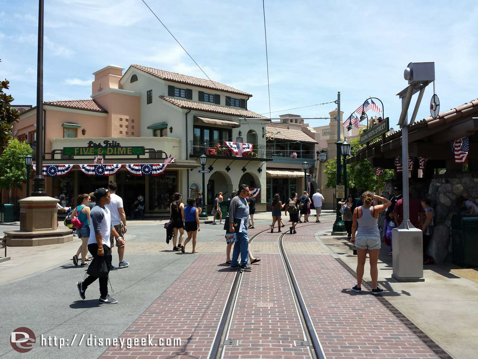 Just arrived at the #Disneyland Resort first stop #BuenaVistaStreet today.