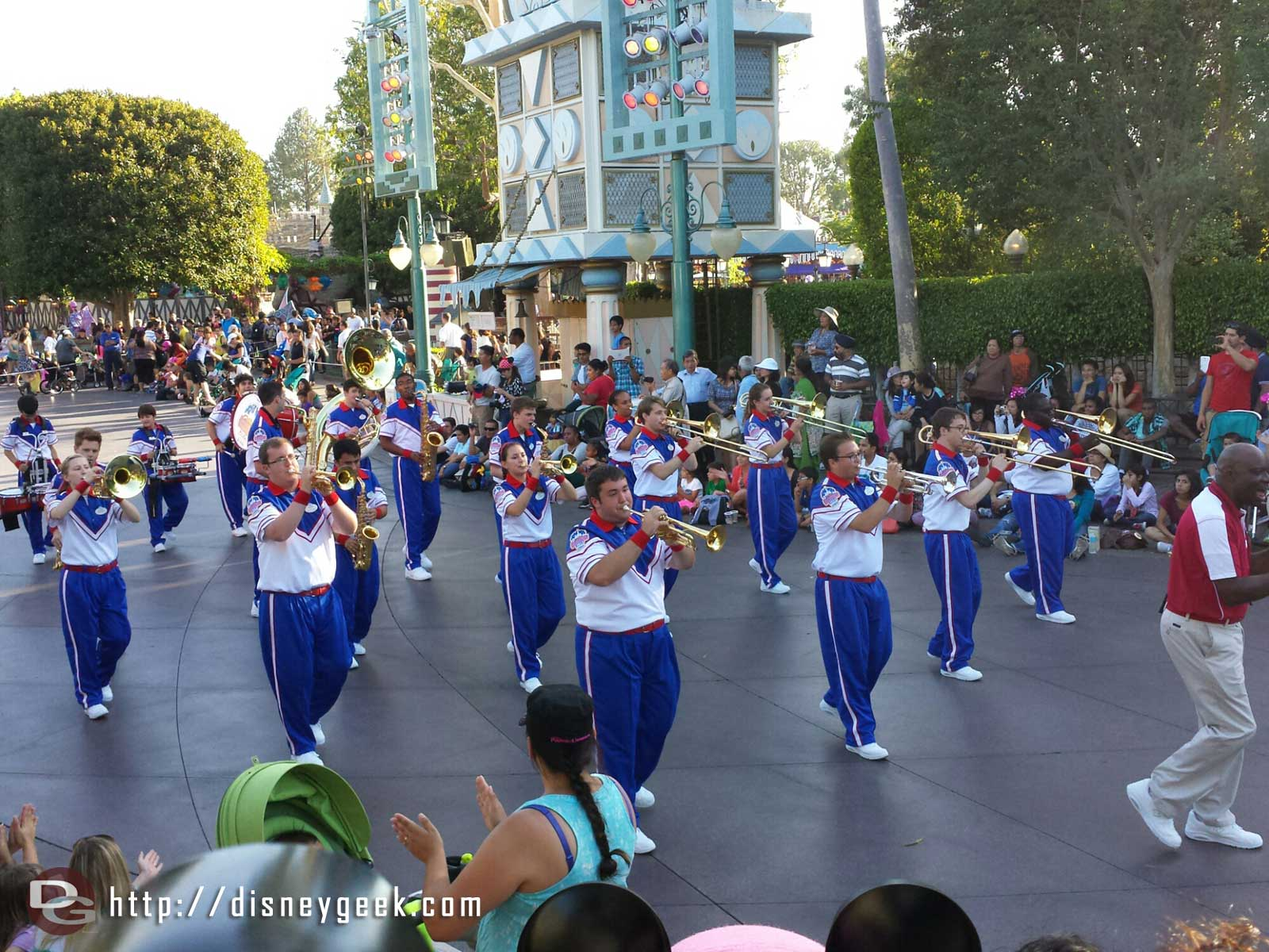 2014 #Disneyland All American College Band marching the parade route