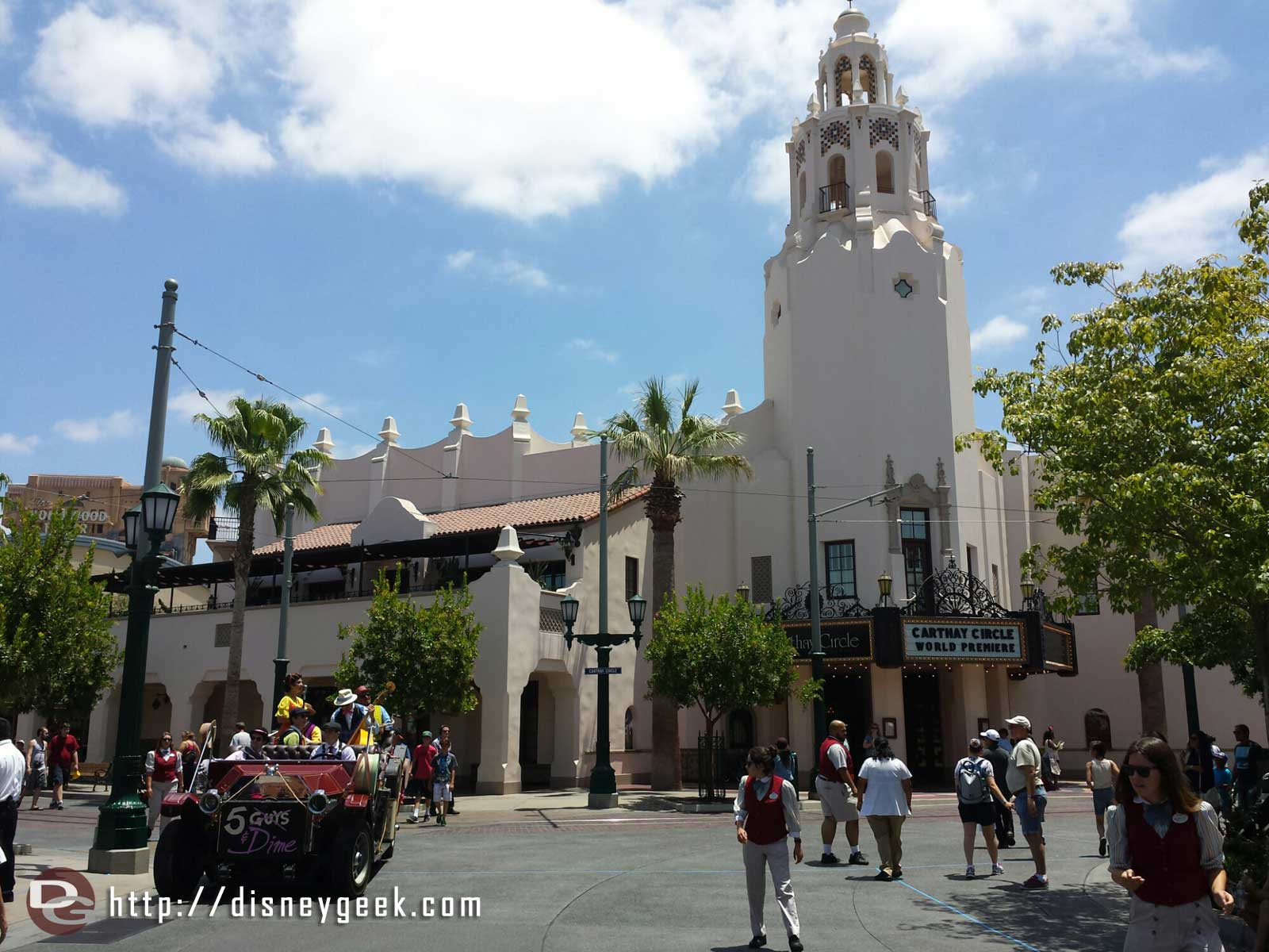 Just arrived at the #Disneyland Resort for the afternoon.  1st stop #BuenaVistaStreet
