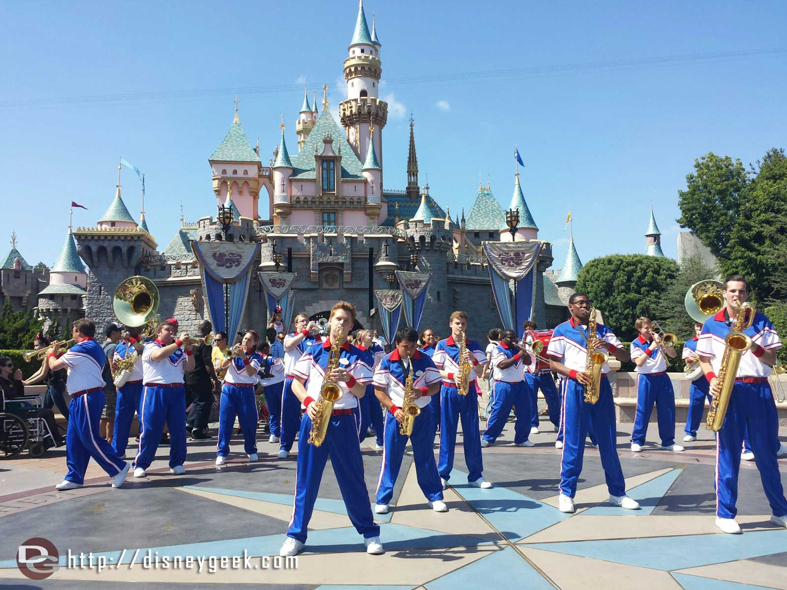 3:25pm #Disneyland 2014 All-American College Band Castle Set