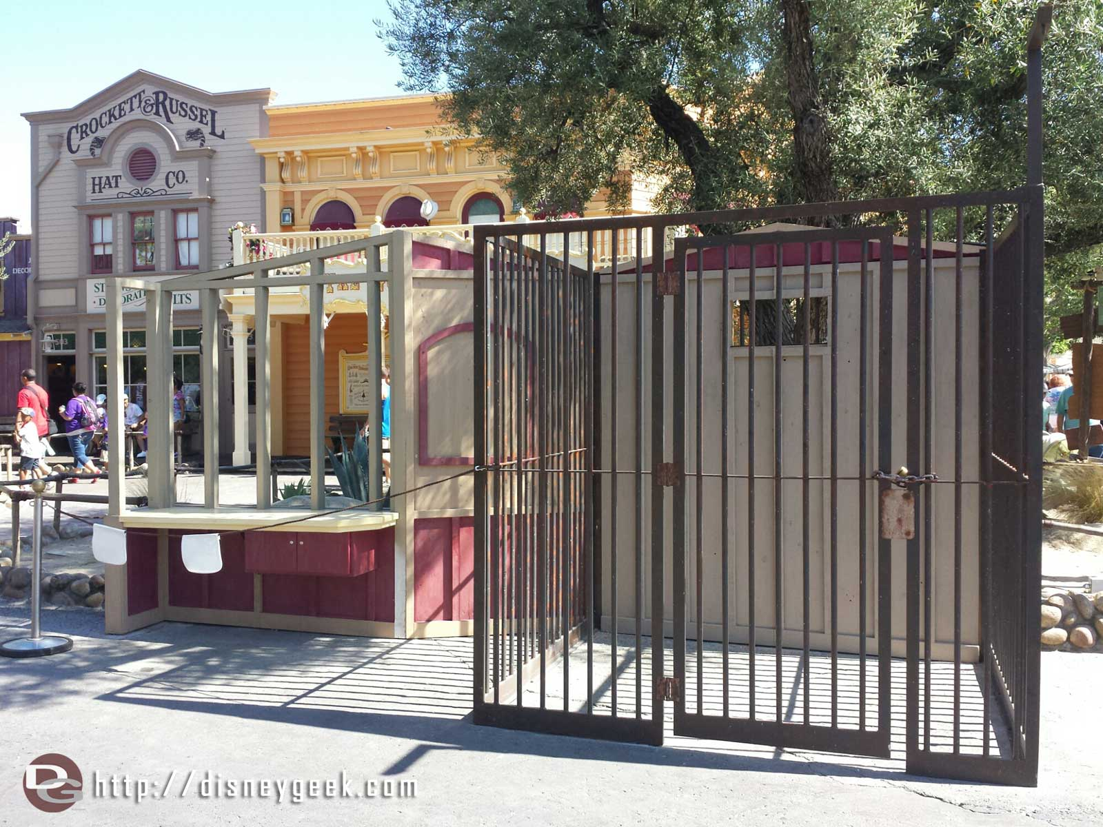 Guessing these sets in Frontierland are for the upcoming Legends of Frontierland Gold Rush that starts Wednesday the 9th