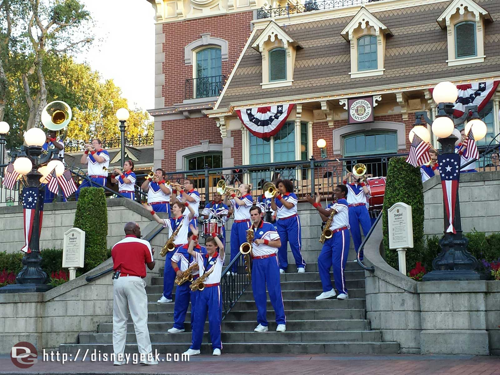 Time for the 7:15 #Disneyland All-American College Band performance