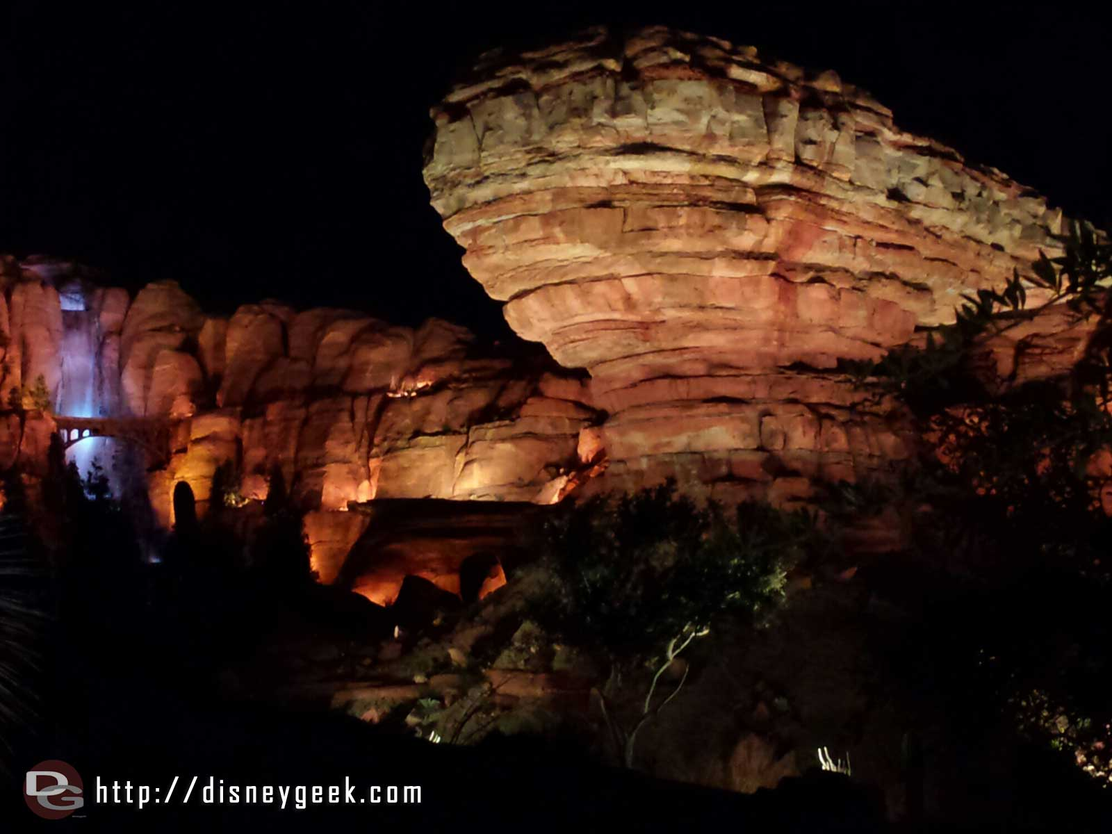 Willy's Butte & Firewall Falls this evening #CarsLand